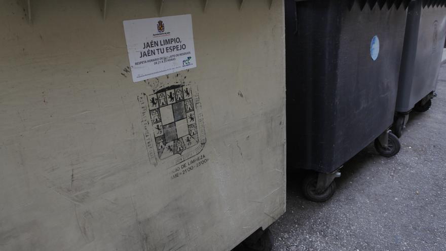 El ayuntamiento de Jaén planea dejar de recoger la basura un día a la semana.