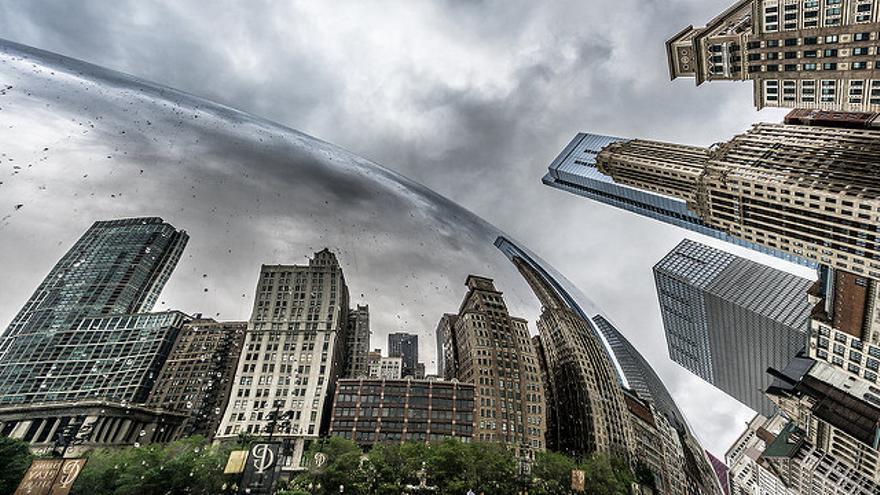 Rascacielos reflejados en The Bean, el símbolo de Millenium Park. Giuseppe Milo
