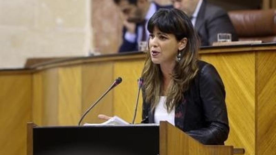 """Teresa Rodríguez afea a Susana Díaz que """"capitanee"""" la abstención: """"El partido de los ERE inviste al de la Gürtel"""""""