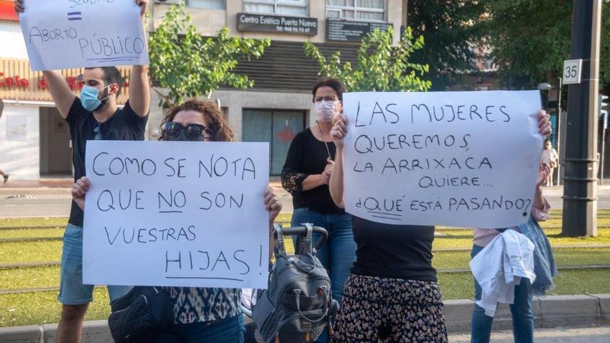Mujeres expulsadas de la Sanidad pública para abortar lanzan desde Murcia una plataforma exigiendo condiciones dignas