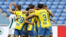 Los jugadores de Las Palmas, en el partido frente al Elche