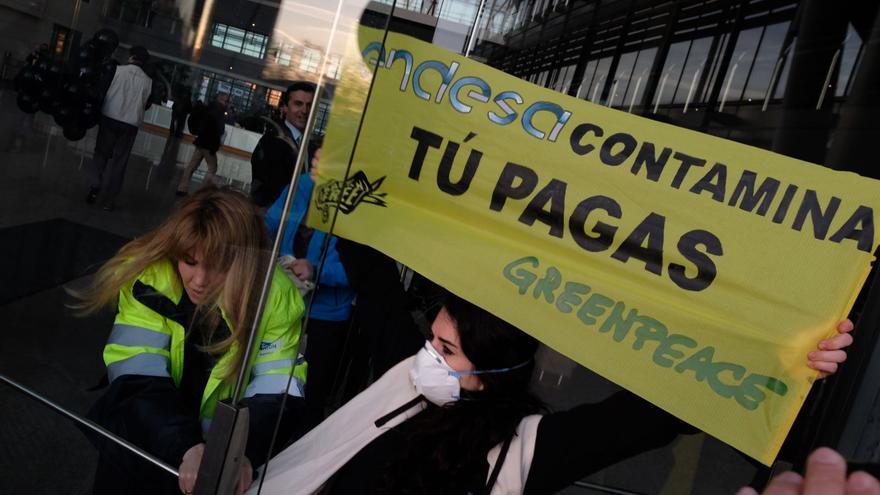 Acciòn de Greenpeace en Endesa.