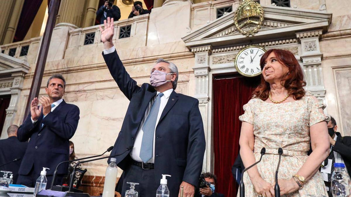 Alberto Fernández, junto a los titulares de la Cámara de Senadores, Cristina Fernández de Kirchner, y de Diputados, Sergio Massa, en la inauguración de las sesiones ordinarias, el 1 de marzo de 2021.