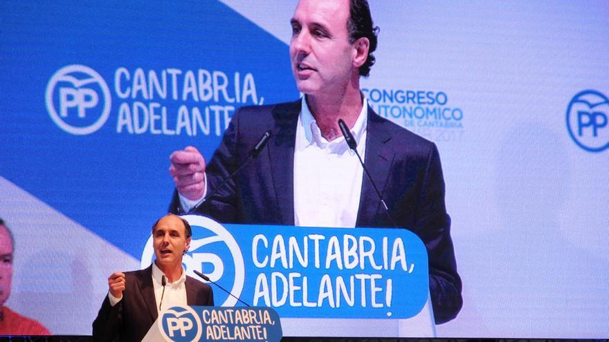Ignacio Diego durante su intervención en el Congreso Regional de PP de Cantabria.