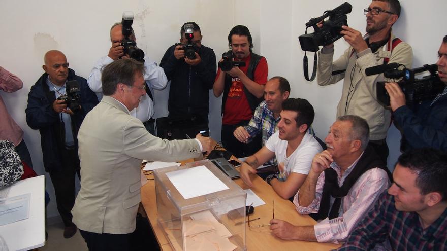 El PP revalida su mayoría absoluta en Ceuta, al 84,6 por ciento del escrutinio, al conseguir 14 concejales