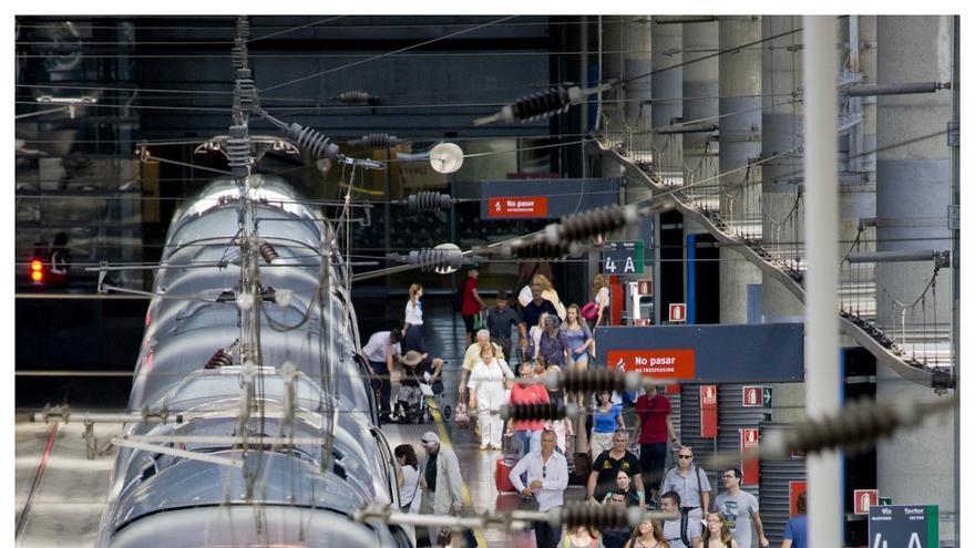 Renfe cancela 271 trenes este viernes, en plena operación salida de Navidad, por la huelga de CGT