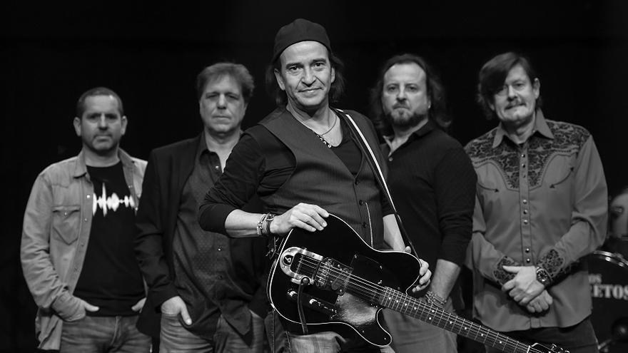 La banda madrileña Los Secretos está liderada por Álvaro Urquijo.   MARTA FICH