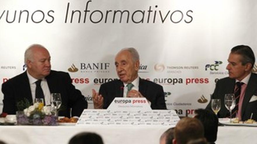 Simon Peres en los desayunos de Europa Press