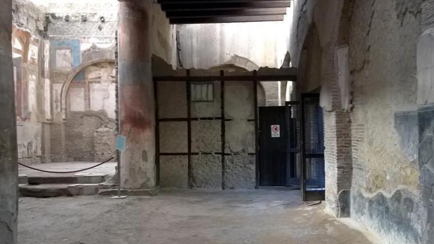 Foto cedida por el parque arqueológico de Herculano del cerebro vitrificado procedente de la erupción del Vesubio en el año 79.