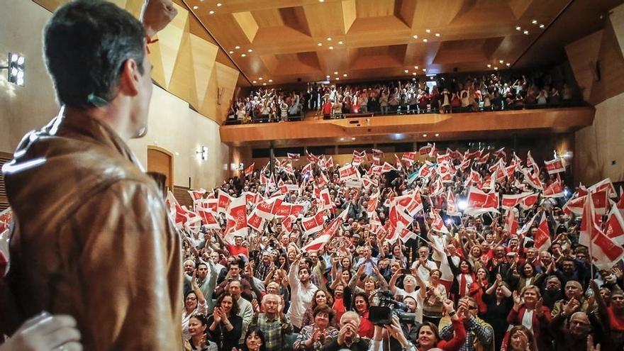 Izquierda Socialista de Tenerife cierra su apoyo a Pedro Sánchez como secretario general del PSOE