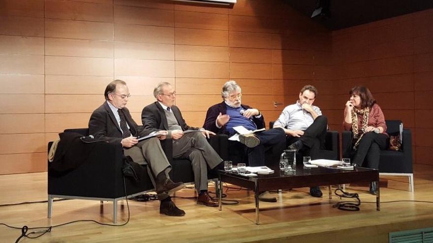 Asistentes al encuentro organizado por Economistas Frente a la Crisis