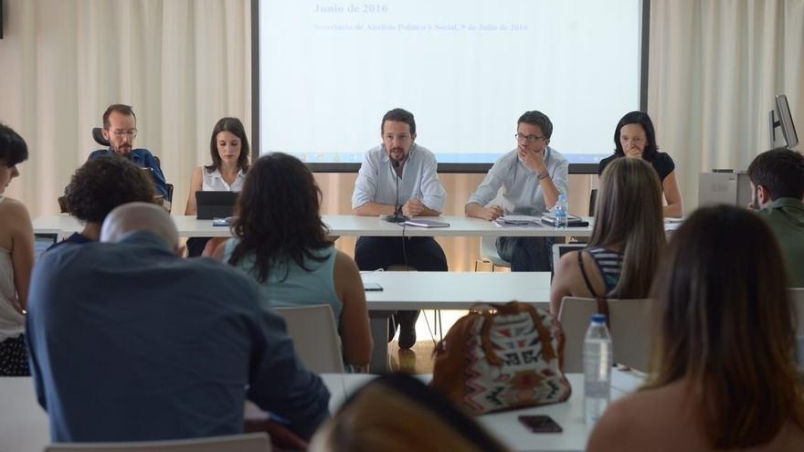 La dirección de Podemos llega mañana dividida a la reunión para empezar a organizar su asamblea de Vistalegre