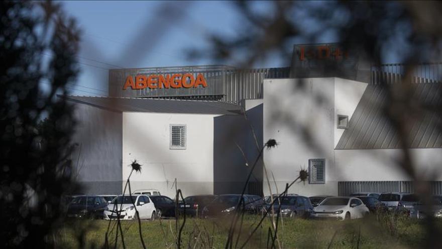 Abengoa se reúne hoy con la banca que le apremia a vender Abengoa Yield