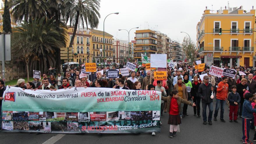 Miles de personas se manifiestan en Andalucía en contra de los desahucios y por el derecho a la vivienda
