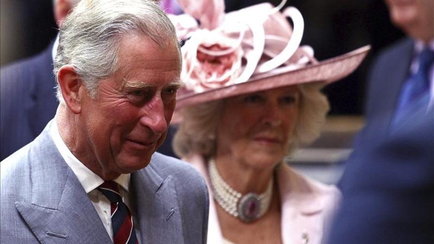 El príncipe Carlos y su esposa llegan a México para visita de cuatro días