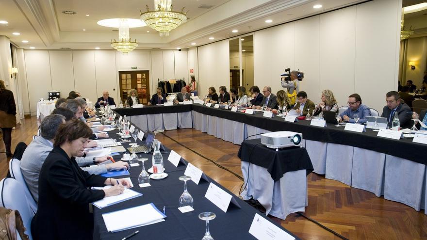 Municipios de Cantabria podrían acoger un proyecto piloto de sociedad sin dinero en efectivo
