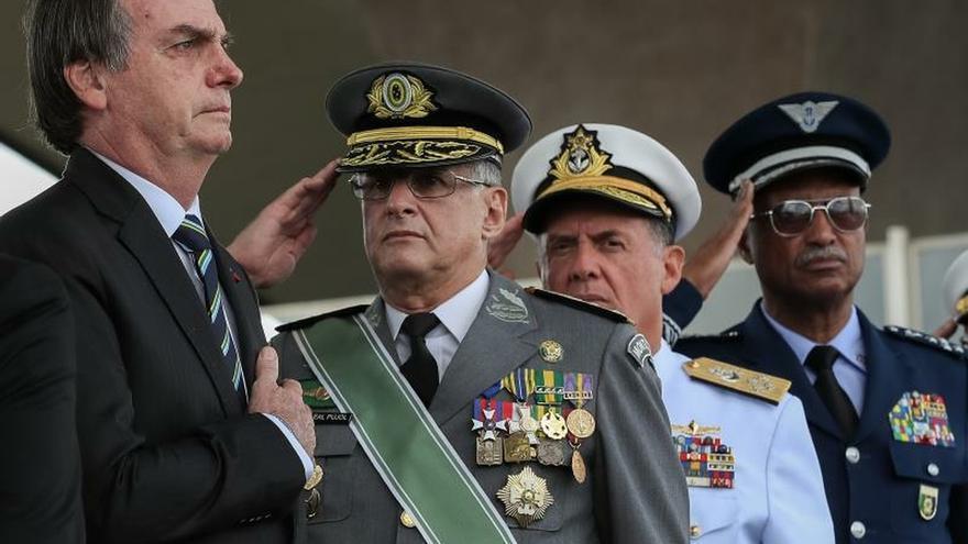 Bolsonaro celebra el Día del Ejército y enaltece la educación militar
