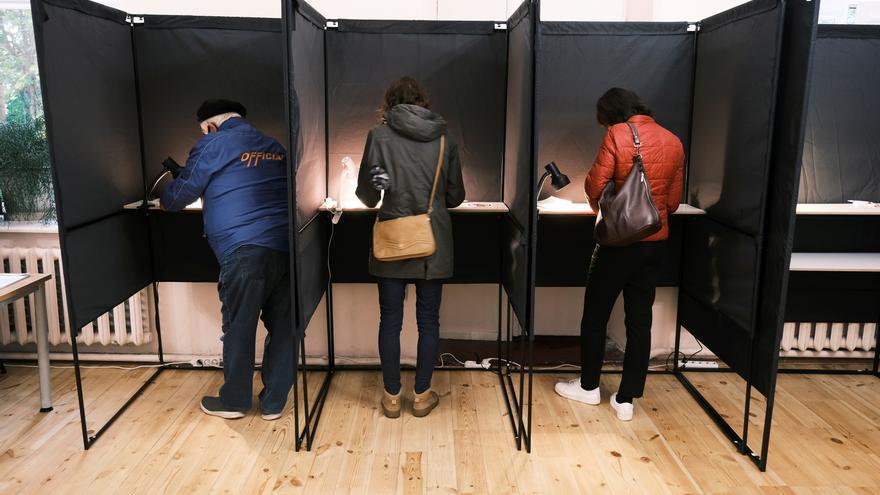 Lituania celebra la primera ronda de las elecciones parlamentarias