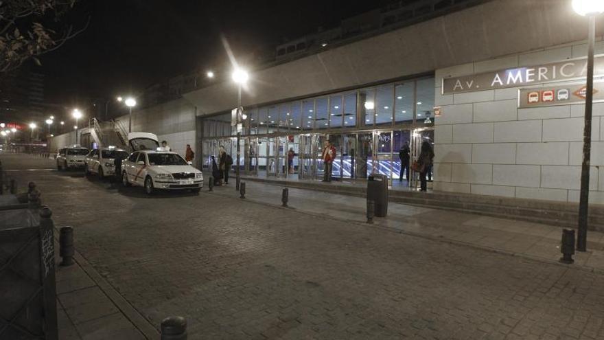 La Policía investiga la paliza de dos vigilantes a un hombre negro en Madrid