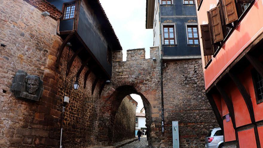 La Puerta de Hisar Kapia, uno de los pocos restos de las antiguas fortificaciones romanas de Plovdiv. Juan Antonio Segal