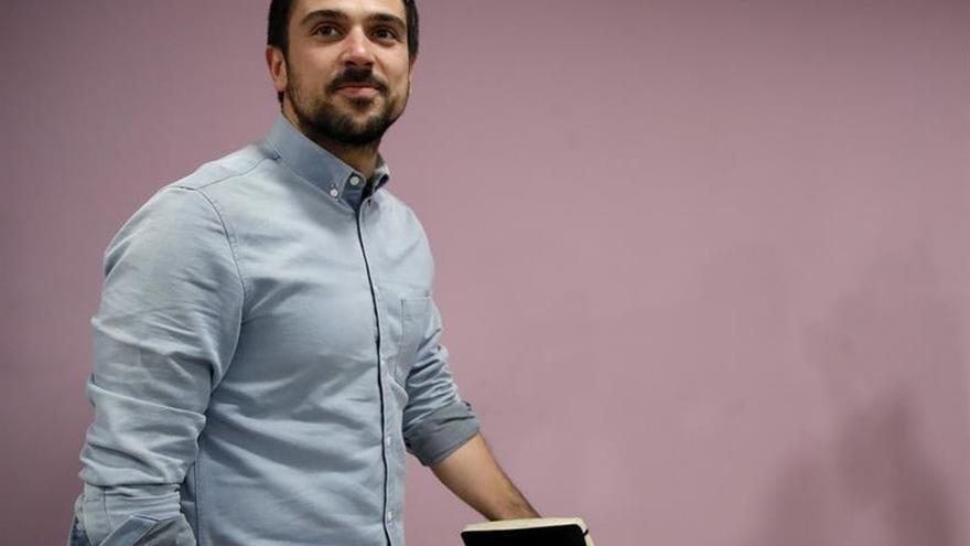 Ramón Espinar continuará como portavoz de Podemos en el Senado