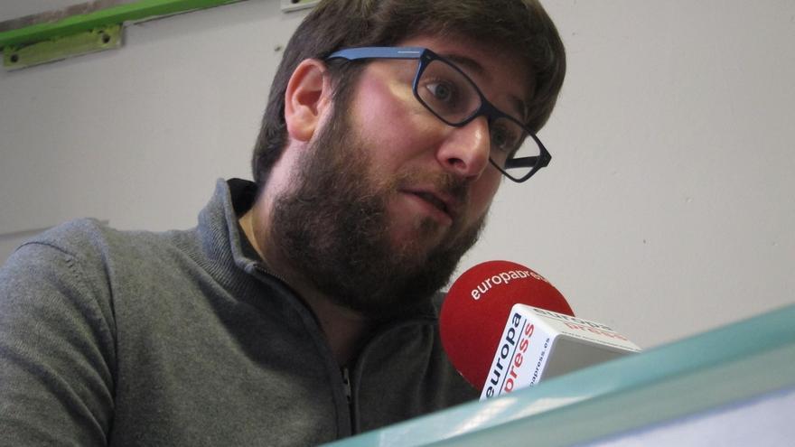 """Los Anticapitalistas de Podemos respaldan al concejal de la CUP y ven """"una locura"""" que un juez le cite por opinar"""