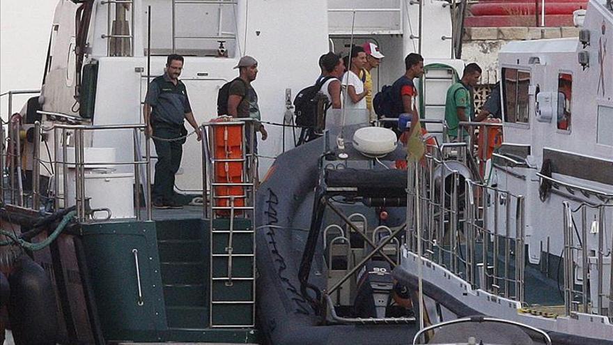 Rescatan a 40 inmigrantes de una patera navegaba al sureste de Gran Canaria