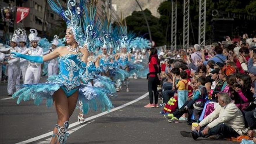 Coso Apoteosis del Carnaval de Santa Cruz de Tenerife./ EFE