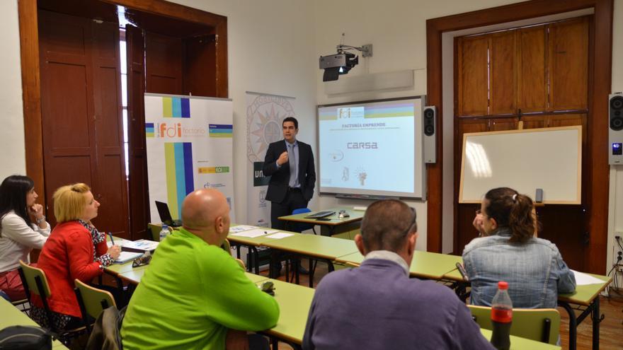 La uned fomenta el esp ritu emprendedor entre el alumnado for Centro asociado de madrid