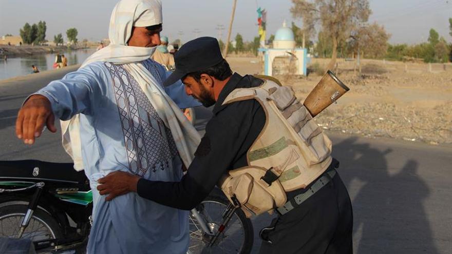 Al menos 24 civiles muertos y 42 heridos en un atentado suicida en Kabul