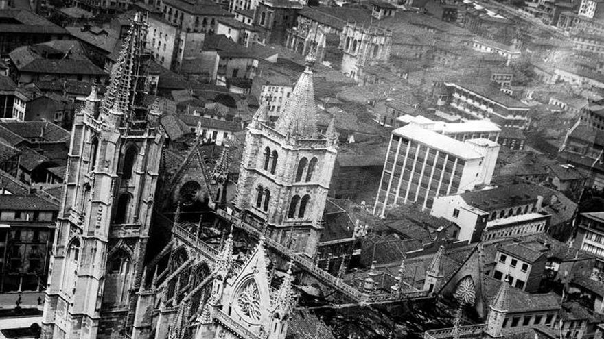 El incendio de la catedral de León fijó pautas para combatir el fuego en monumentos