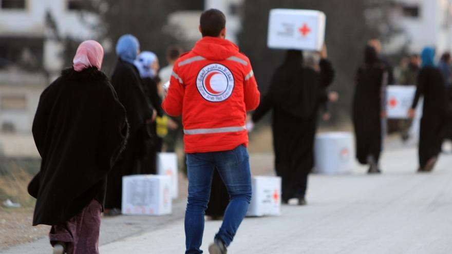 Cruz Roja lanza la campaña 'La maleta que más pesa' para sensibilizar sobre las personas refugiadas