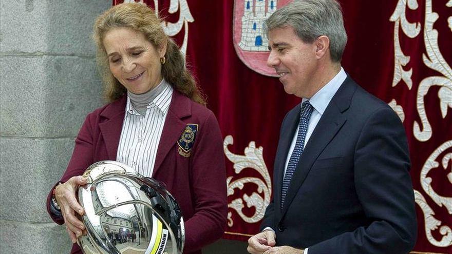 Doña Elena pide fomentar la prevención de los accidentes para una España más segura