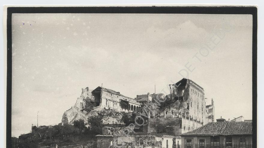 Ruinas del Alcázar de Toledo a finales de 1939