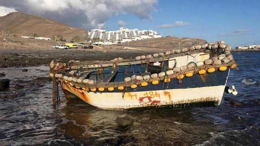 Llega una patera a Fuerteventura (Canarias)con diez personas a bordo