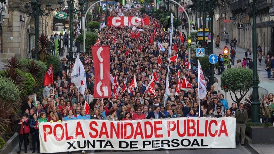 Cabecera de la manifestación en las calles de Vigo