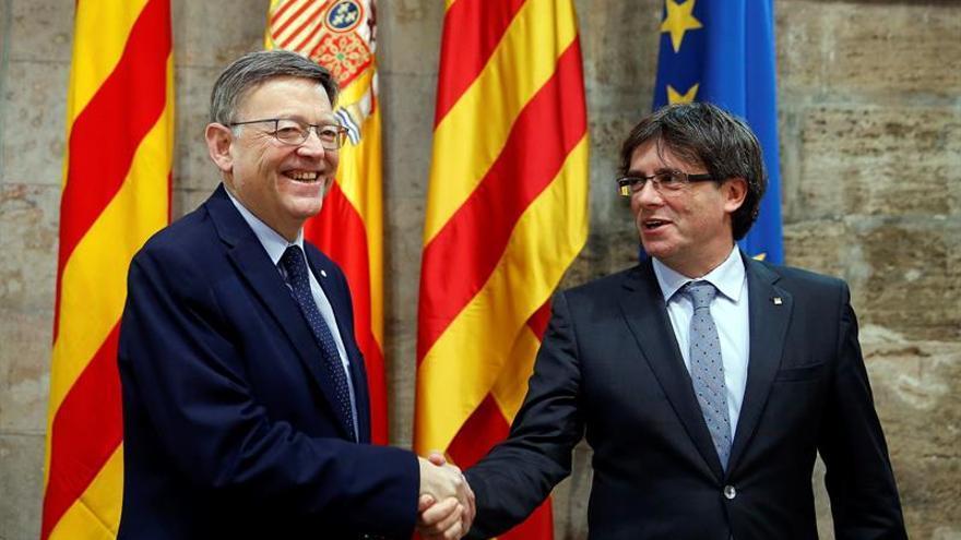 Puigdemont y Puig mantienen una breve reunión de cortesía en Barcelona