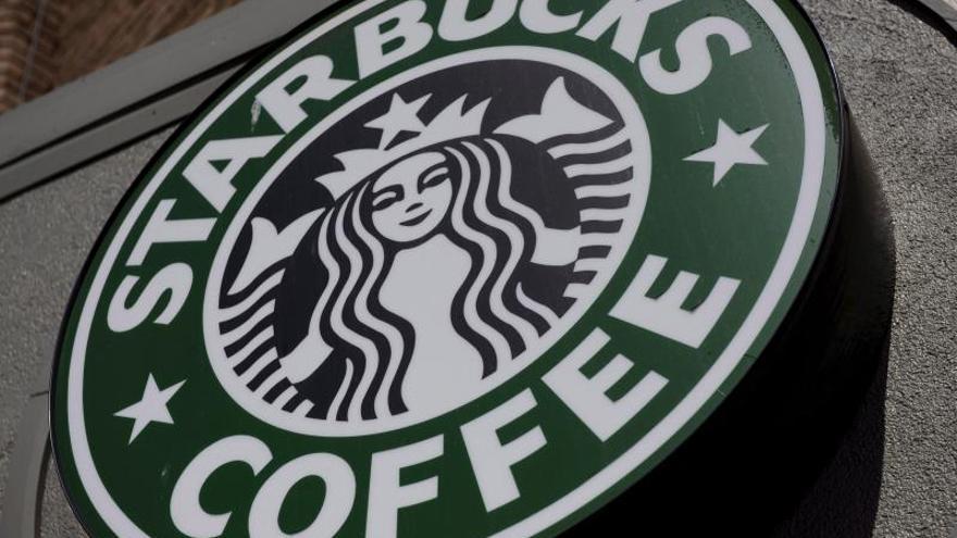 Starbucks gana en su primer trimestre 540 millones de dólares, el 25,1 por ciento más