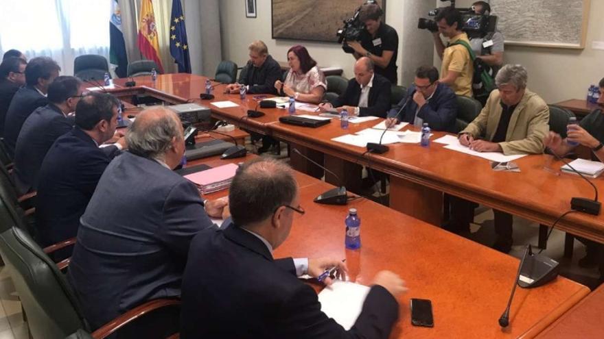 La reunión, celebrada en Mérida, ha servido para abordar asuntos referentes al ferrocarril extremeño