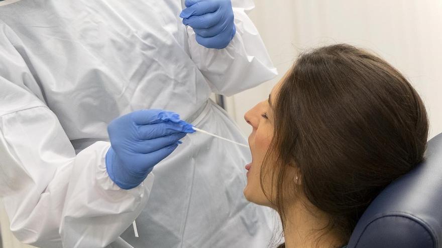 Nueve fallecidos y 891 contagios, los últimos datos de la COVID-19 en Castilla-La Mancha