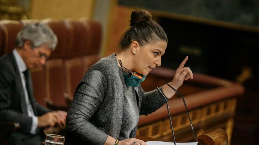 Olona dice que el Gobierno no piensa en la salud pública al permitir las elecciones en País Vasco