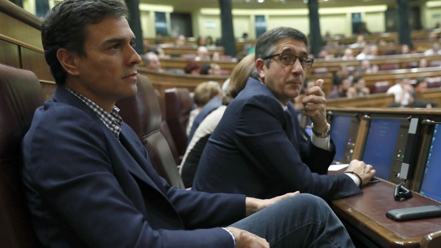 Patxi López junto a Pedro Sánchez en octubre de 2016 / EFE