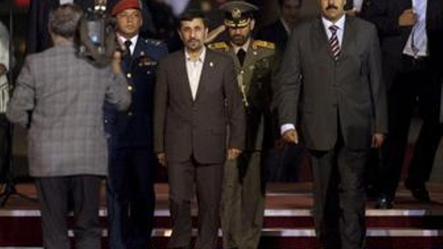 Presidente de Irán, Mahmud Ahmadineyad, llega a Irán