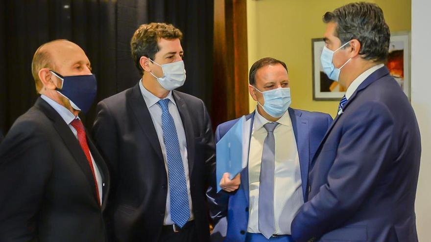 Los gobernadores insisten con suspender las PASO y esperan un gesto de Fernández