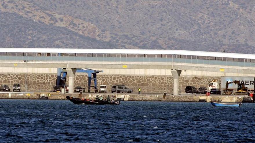 Rescatan una veintena de cadáveres de migrantes naufragados cerca de Melilla