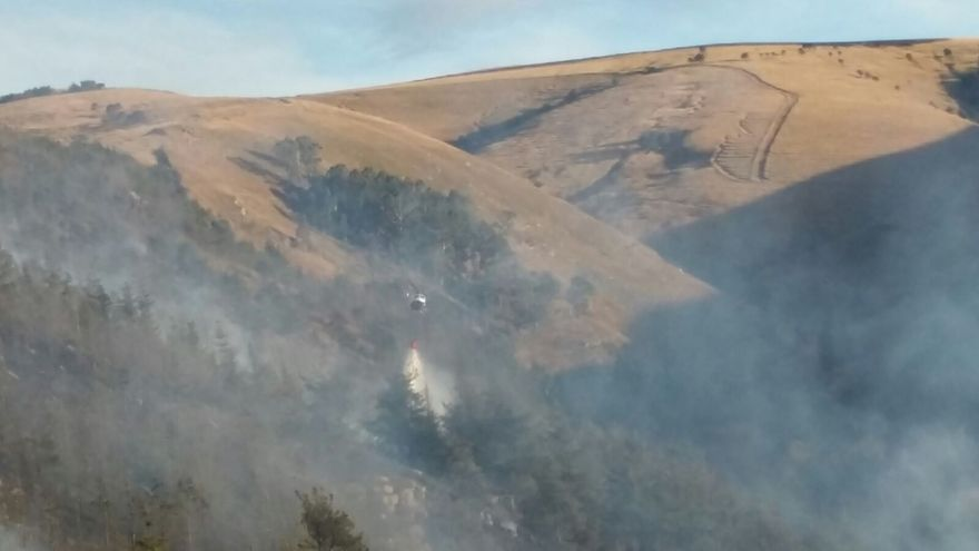 Un incendio forestal en Valdáliga, único activo en Cantabria