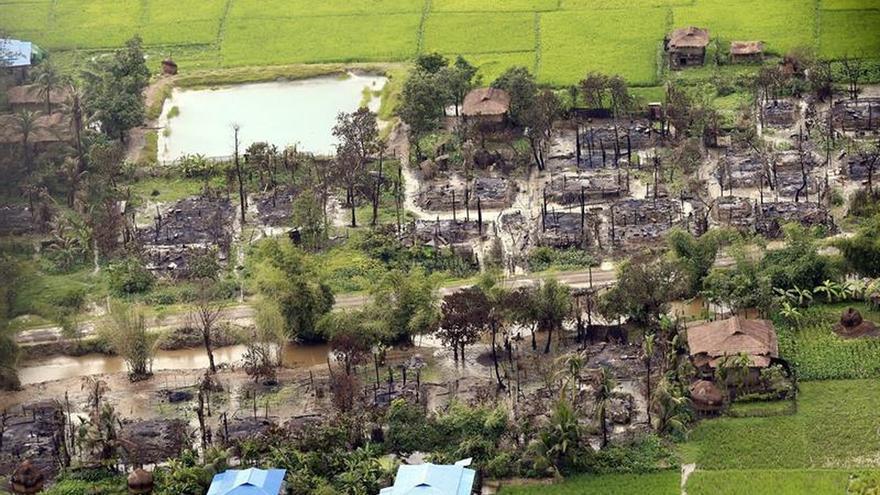 El Ejército birmano encuentra fosa común con 17 cadáveres de hindúes