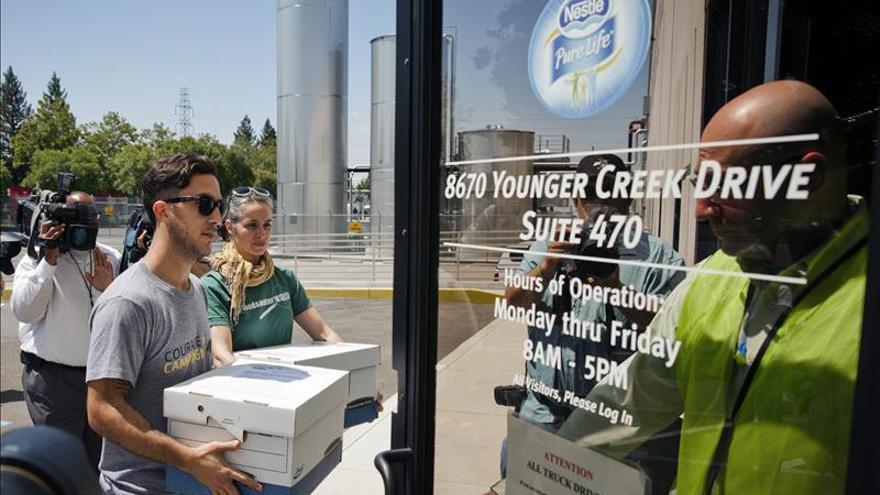 Medio millón de firmas convierten en cuestión moral la sequía en California