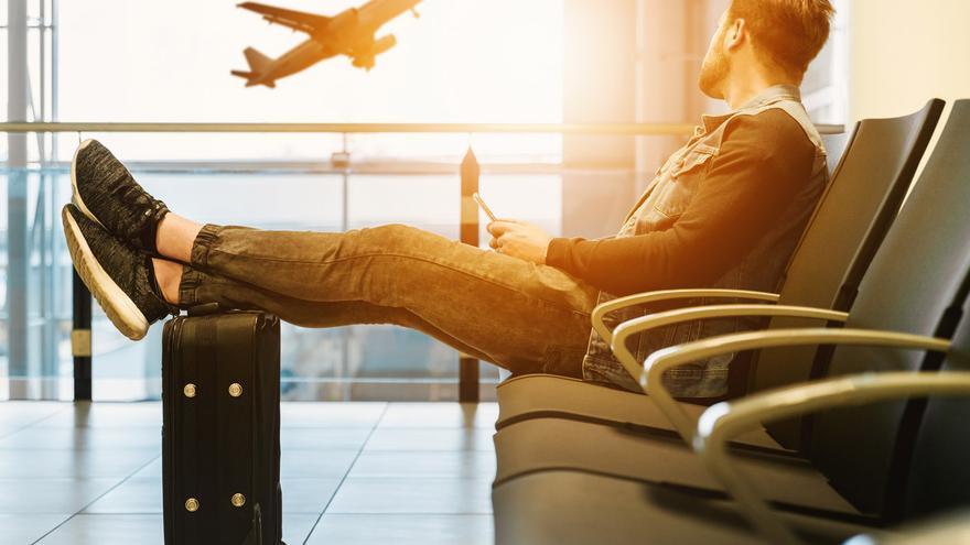 9 accesorios imprescindibles para viajar en vacaciones.