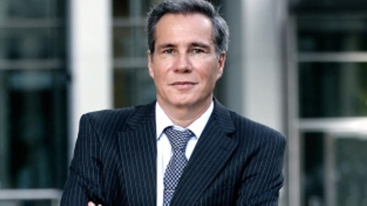 Alberto Nisman fue hallado muerto de un disparo en la cabeza la noche del 18 de enero de 2015, en el baño del departamento que habitaba en Puerto Madero.